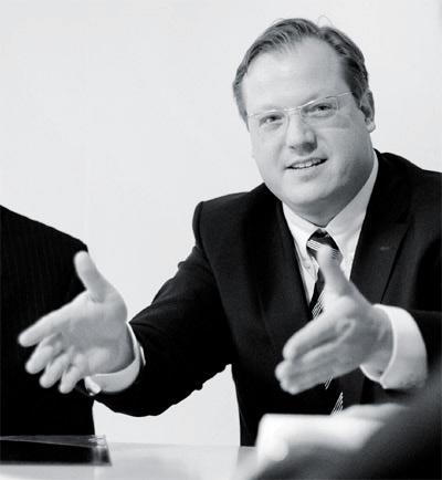 Martin Walzer Rechtsanwalt Düsseldorf - Anwaltliche Vertretung